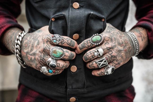 hands-1031131_960_720